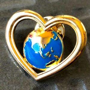 Avon Globe 🌻4/$10 Unity Heart Pinback